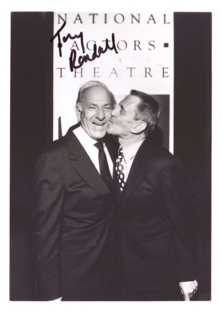 tony Randall and Jack Klugman kissing