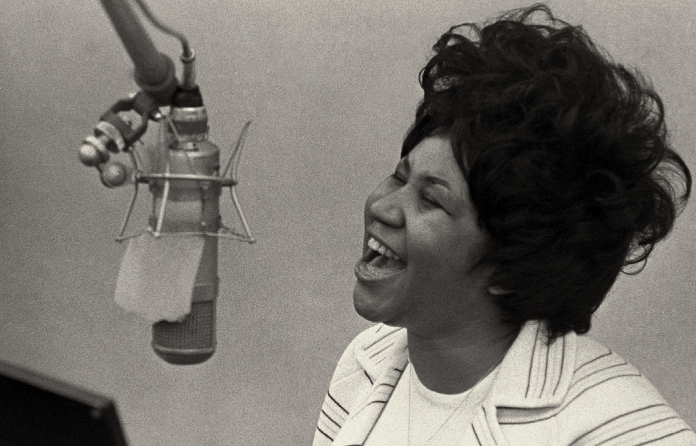 Aretha Franklin in recording studio