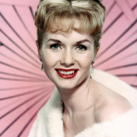 Debbie Reynolds pink
