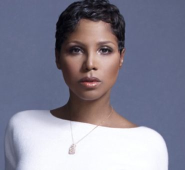 Toni Braxton's [Disconcerting] Tofu Cheesecake: <i>Eating With the Stars:</i>