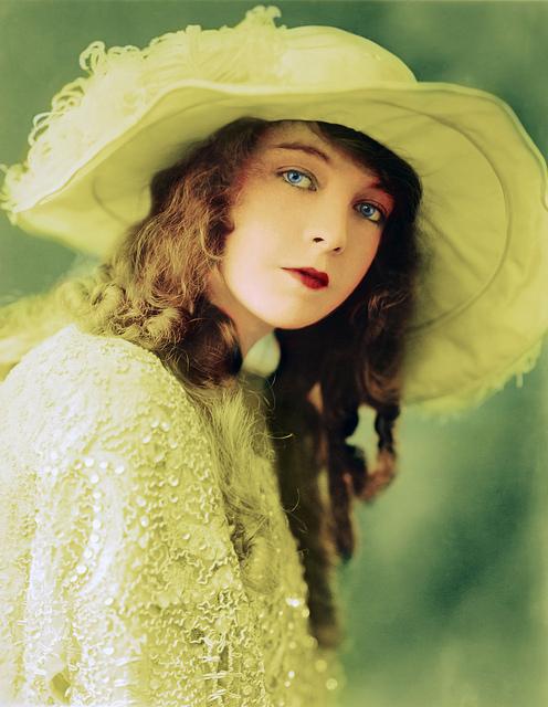 Lillian Gish, full color