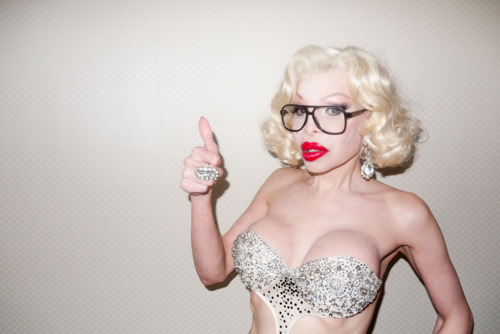 Amanda Lepore glasses