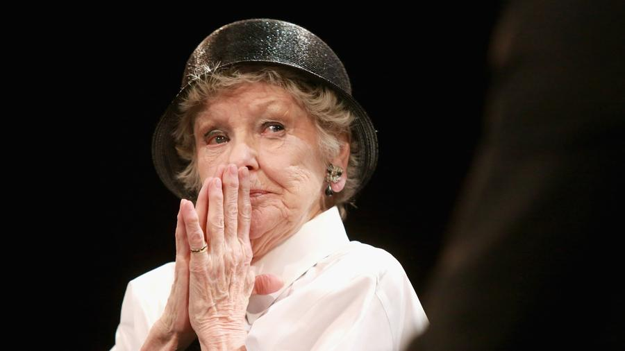 Elaine Stritch black hat