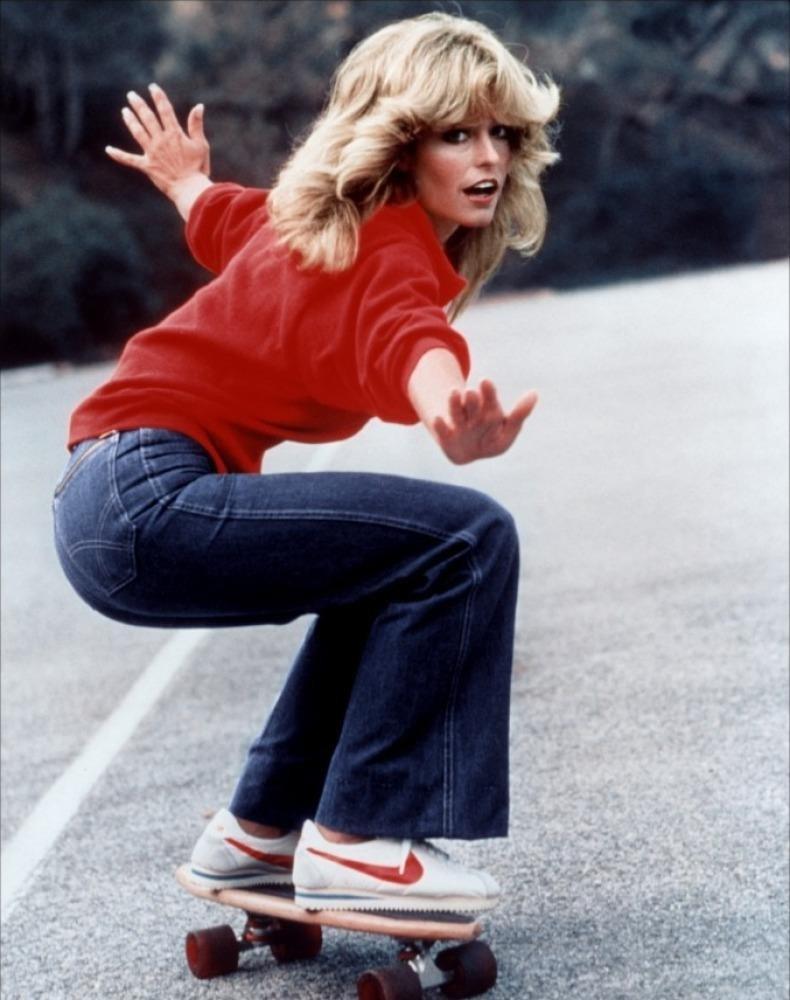 Farrah Facett skateboard Nike