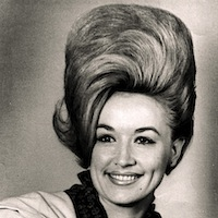 <strong>Dolly Parton's Unbelievable 1960s Beehive!</strong>