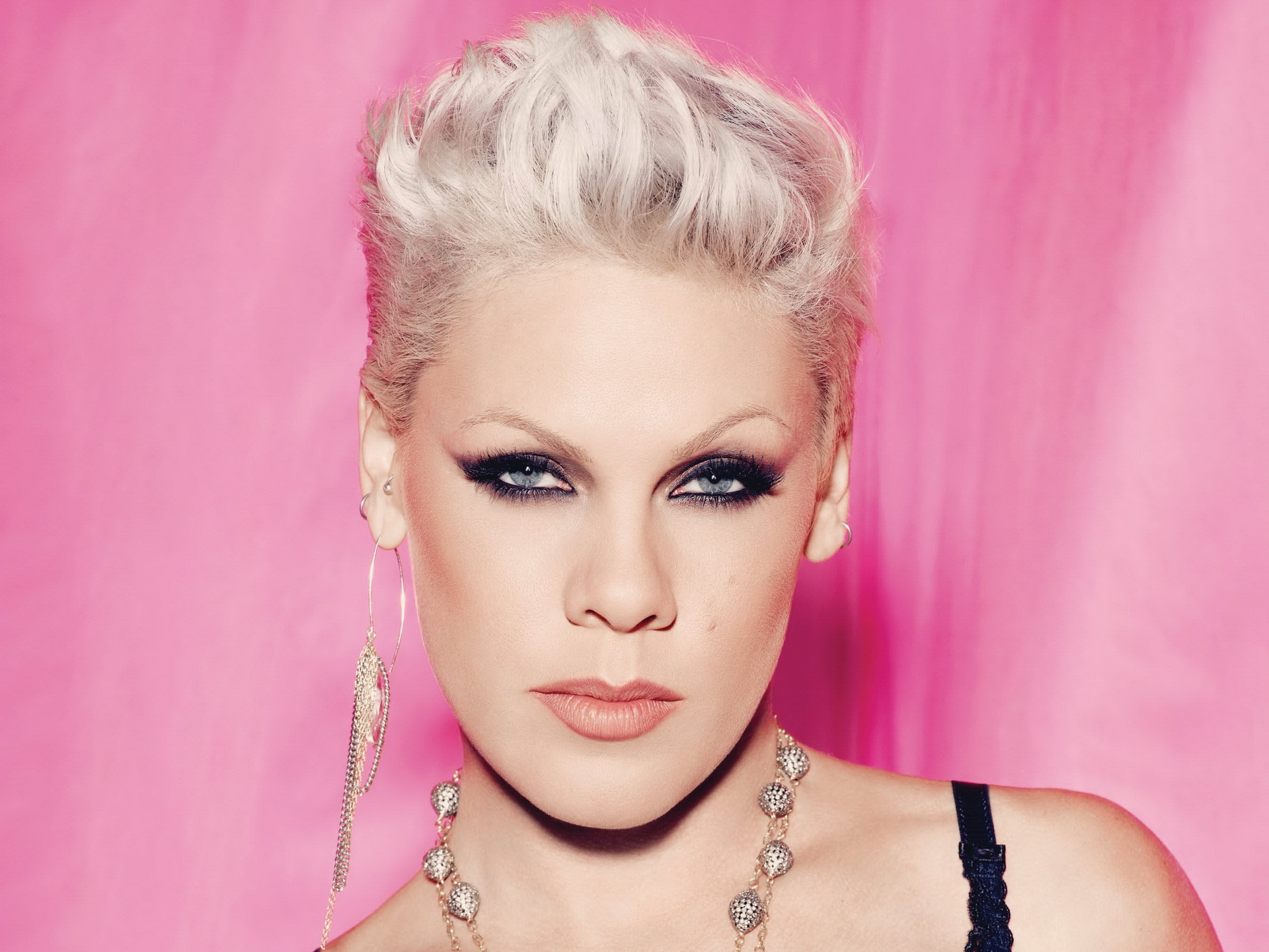 "Pink's ""Over the Rainbow"": Whatever Happened to Phrase. Ing?"
